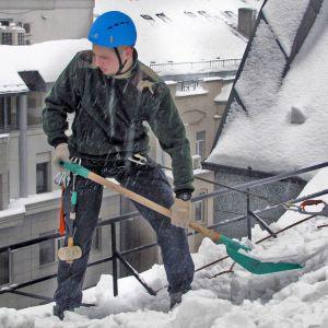 Уборка снега и наледи в Туле